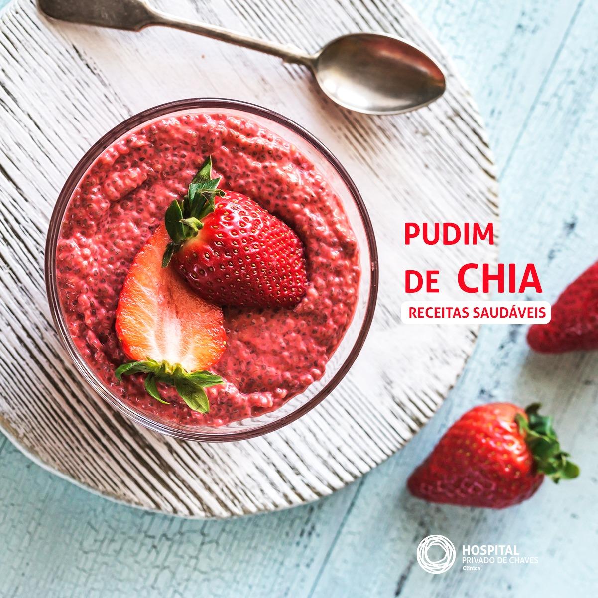 PUDIM DE CHIA COM FRUTA